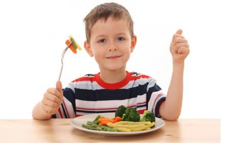 Cho trẻ ăn thức ăn phù hợp 1