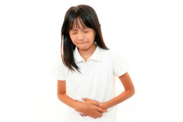 Đau bụng ở trẻ em và cách xử lý an toàn